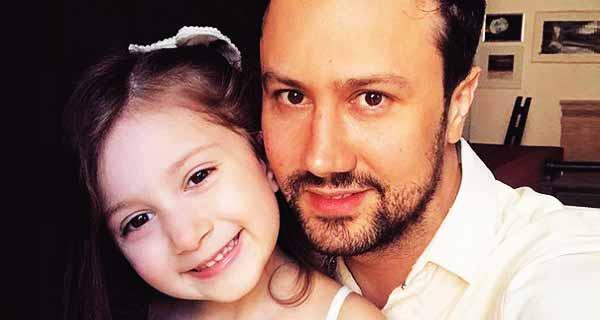جدیدترین عکس منتشر شده از شاهرخ استخری و دخترش پناه استخری