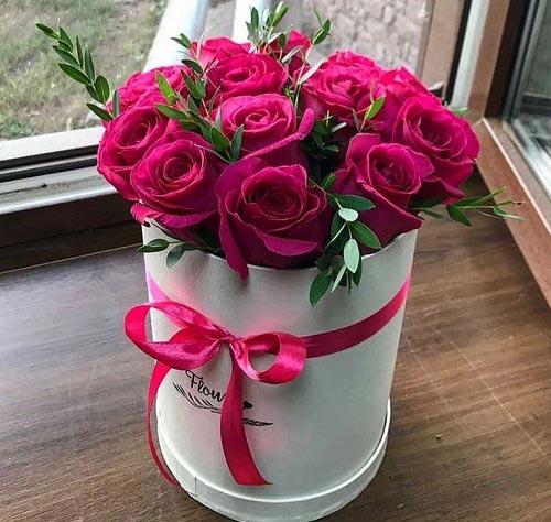 گلدان گل رز زیبا ، عکس سبد گل رز قرمز با پاپیون قرمز