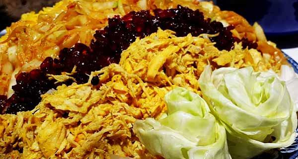 کلم پلو با مرغ ، آموزش طرز تهیه و دستور پخت کلم پلو تهرانی  خوشمزه و مجلسی مخصوص با مرغ ریش ریش شده و هویج در منزل