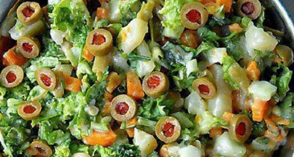 سالاد اسپانیایی با کاهو و سیب زمینی ، آموزش کامل طرز تهیه و درست کردن سالاد اسپانیایی خوشمزه با هویج در منزل
