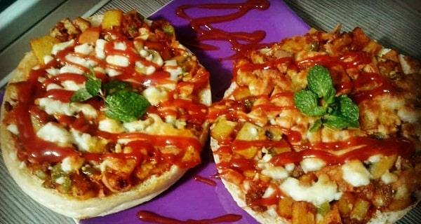 مینی پیتزا ، طرز تهیه و پخت مینی پیتزای خوشمزه و مجلسی در منزل ، mini pizza