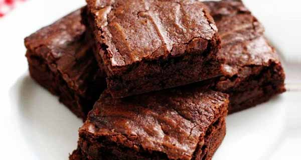 براونی شکلاتی ، آموزش کامل طرز تهیه و درست کردن براونی شکلاتی خوشمزه در منزل