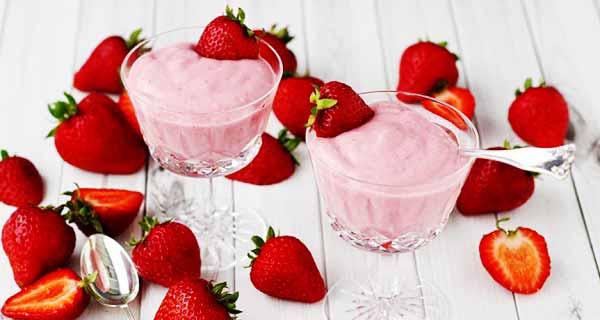 پودینگ توت فرنگی ، آموزش کامل طرز تهیه و درست کردن پودینگ توت فرنگی خوشمزه در خانه ، pudding-tootfarangi