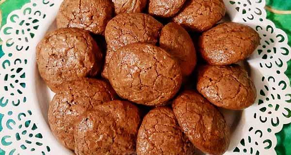 شیرینی گردویی، دستور تهیه شیرینی گردویی ساده و بازاری بدون فر و با پیمانه در منزل، shirini gerdooee
