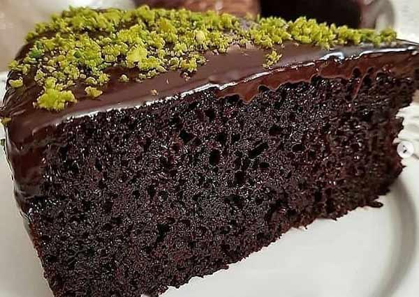 طرز تهیه کیک شکلات تلخ و خیس خوشمزه با سس مخصوص