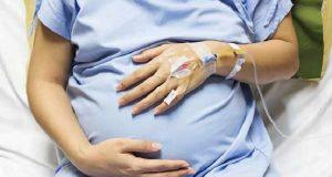 تعبیر خواب حامله بودن و لگد زدن جنین و بچه در شکم مادر چیست؟