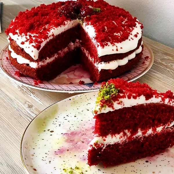 طرز تهیه کیک ردولوت خوشمزه و کافی شاپی + تزیین حرفه ای ، کیک ردولوت که با نام کیک مخملی قرمز هم مشهور است